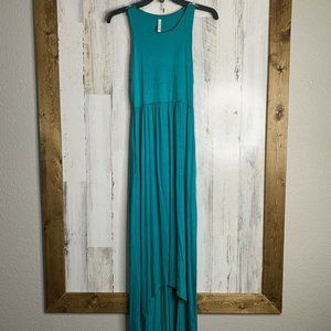 Bellamie maxi dress NWOT size medium blue long